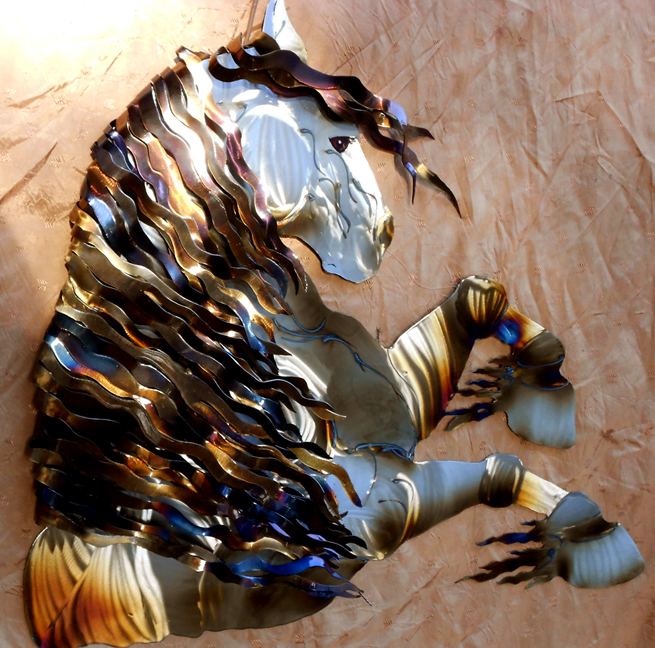 Horse with 'wrap over' mane (folded & bent over metal strips) 30